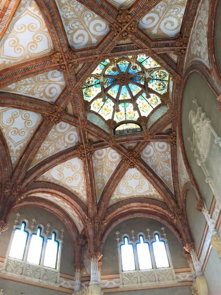 Hospital de Sant Pau ceiling in the entry building