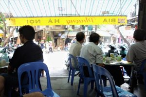 Top Ten Things to do in Hanoi bia hoi