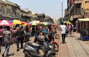 things to do in hyderabad shopping on street