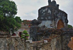 hue citadel doorway
